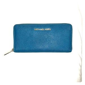 Michael Kors Jet Set Continental Travel Wallet
